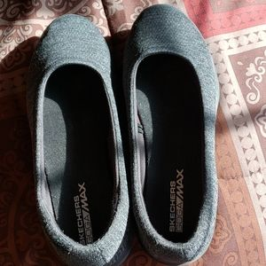 Sketchers Goga Max Lite shoes1